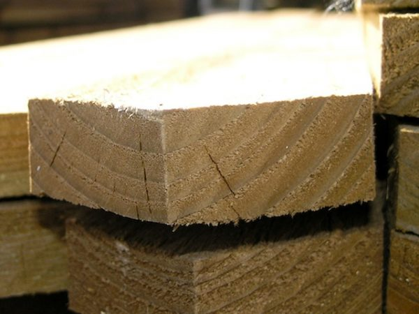 sawn pointed pale